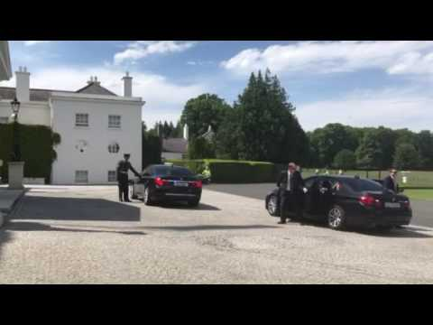 Leo Varadkar arrives at Aras to collect seal of office