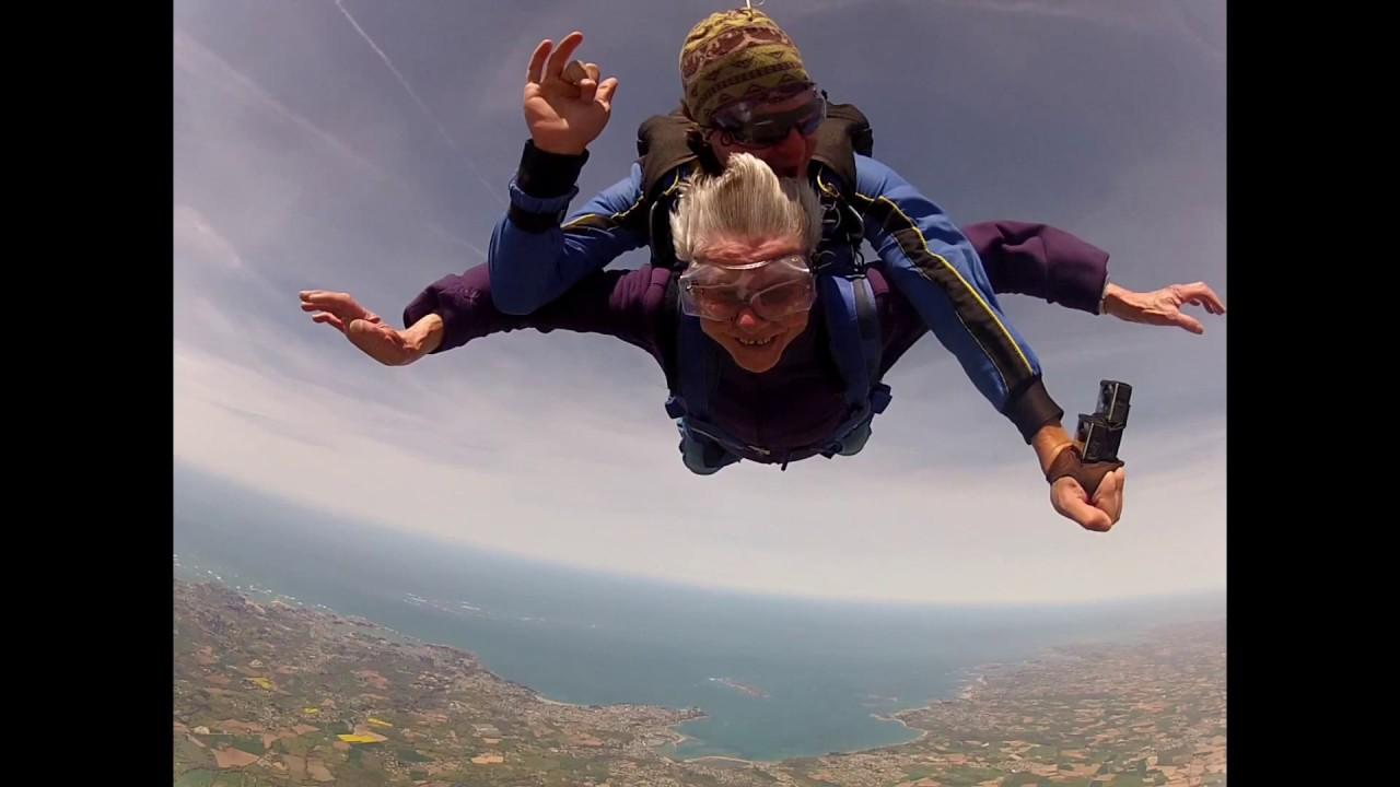 saut en parachute 92