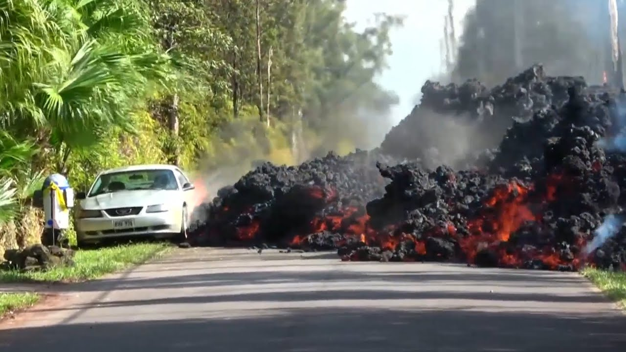 Dramatic timelapse footage shows lava engulfing car in Hawaii