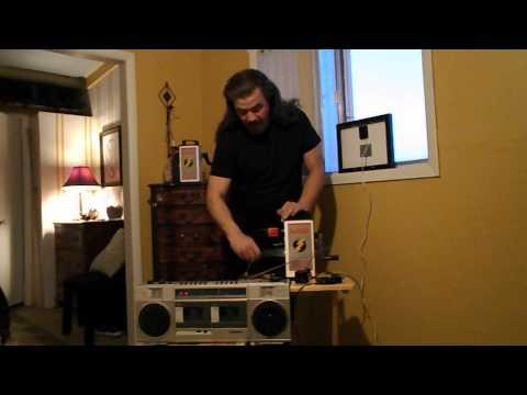 Review hand crank solar radio flash light – 12 volt emergency power generator