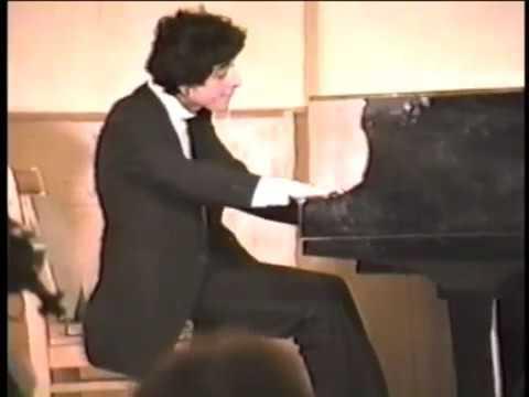 Konstantin Lifschitz plays Liszt la campanella