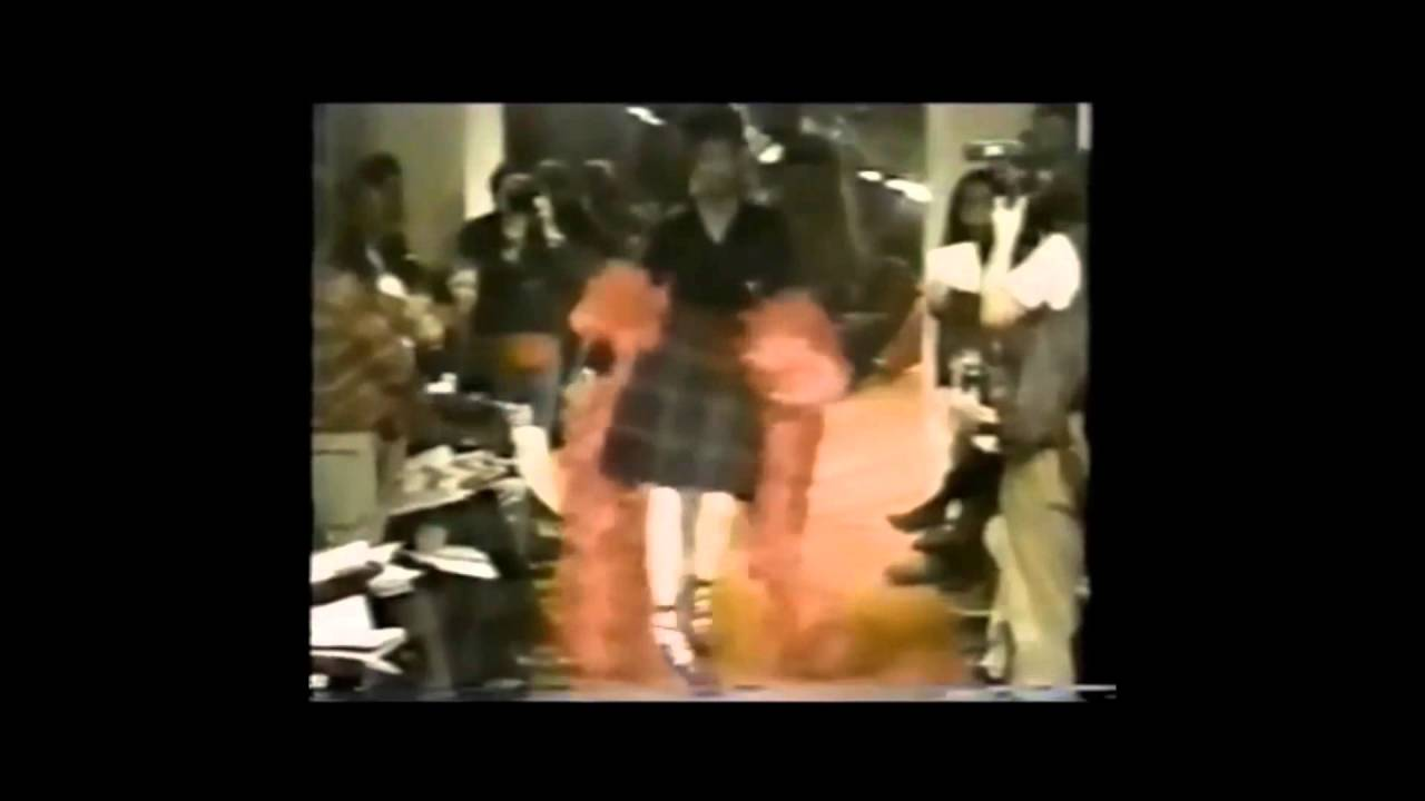 1c2228869cec Naomi Campbell in Vivienne Westwood 1993 show in Paris - YouTube