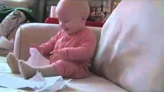 Wer schafft es 30 Sekunden nicht zu lachen? Laughing Baby