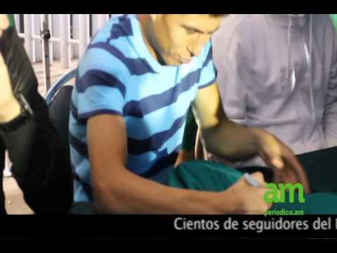 Un seguidor de Chivas fue al hotel en San Luis por una firma de ...