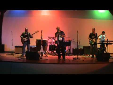 Battle Of The Band 2011 JIM & JO Ona Sutra   Asam Di Gunung Garam Di Laut performed by Checkpoint