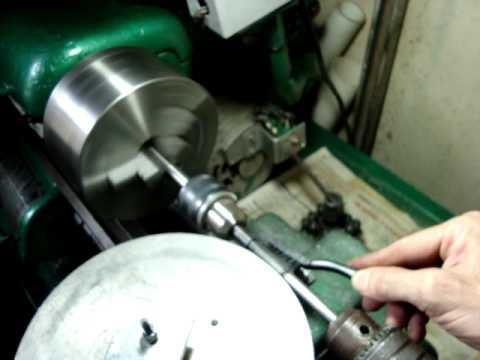 Cutting a square teeth worm gear