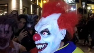 Halloween en Málaga [11]: El Payaso Asesino, el Zombie con hambre y los Zorros Salvajes thumbnail