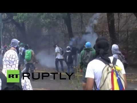 Venezuela: Protest turns violent in Caracas