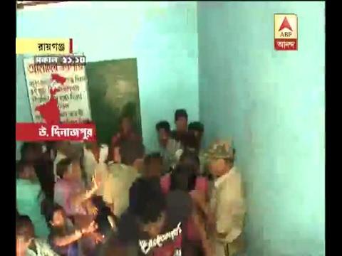 Municipal Election: Chaos outside 26 no ward at Raiganj
