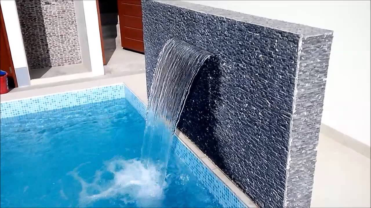 Cascadas caidas de agua en piscinas youtube for Cascadas artificiales de agua para piscinas