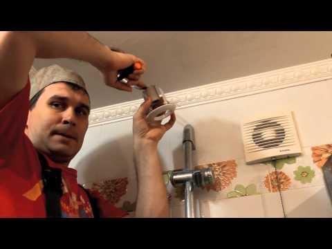 видео: Подвесные потолки из пластика:    Совет от квалифицированного плиточника...