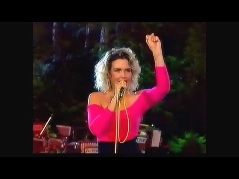 Kim Wilde- You Keep Me Hangin' On( Live at Sopot 88)