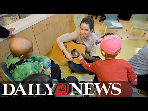 Stars from Broadway's 'Beautiful: The Carole King Musical' surprise kids at NYC hospital