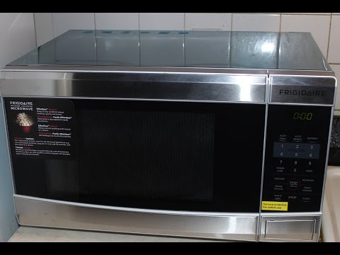UNBOXING FRIGIDARE COUNTERTOP MICROWAVE MICRO-ONDES (FFCM1134LS)
