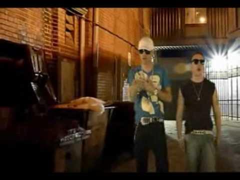 Si Te Acuerdas de Mi - Magnate & Valentino (Official Video)