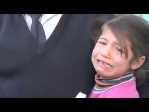 Hearbreaking: Little Syrian girl selling tissues on the streets shakes when she sees Police