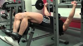 видео Жим лежа на наклонной скамье – качаем верх и низ груди