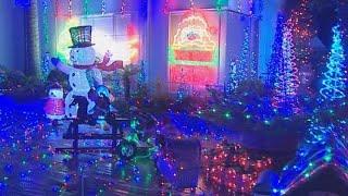 Auckland neighbourhood's Christmas lights attract big crowds