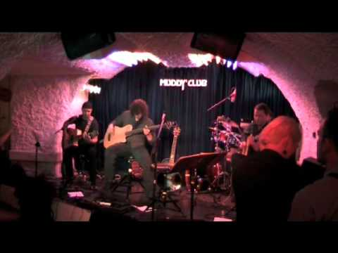 Download mocábo performing Riviera 68