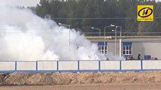 Пожар на льнозаводе под Оршей уничтожил около 40 тонн сырья(, 2014-09-25T18:50:31.000Z)