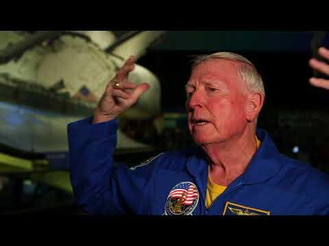 Idiot interviews a Astronaut (Midas Mode Content)