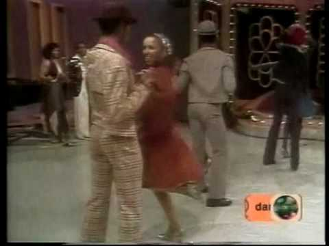 VAN McCOY - the hustle (1975) (HQ)