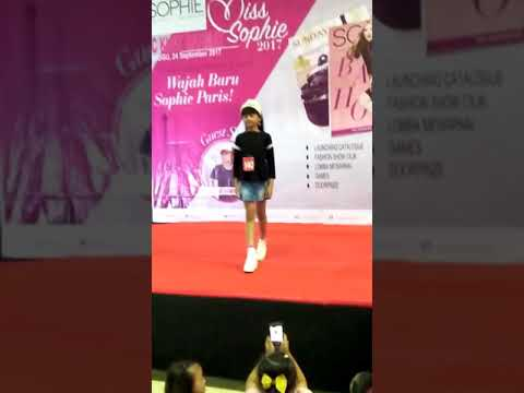 Fashion show casual mall, kids modelling,  catwalk,  model cilik indonesia,  anak berpreatasi