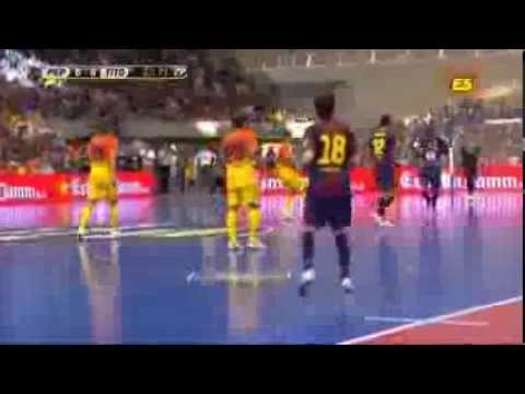Gerard Pique's futsal trick