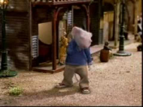 Funny Moments Of Stuart Little In Hindi.3gp