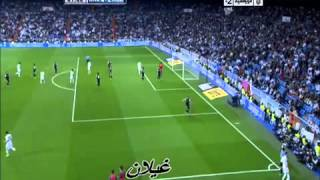 Mesut Ozil Nutmegs the Refere - Real Madrid 6-2 Malaga