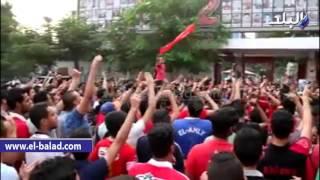 بالفيديو والصور..الآلاف يهتفون ضد مجلس طاهر: « مصلحة الأهلي أهم ..ارحل بقي يا عم»