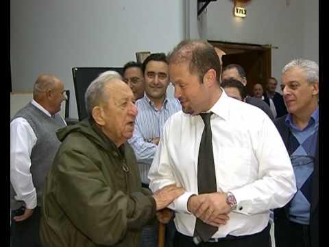 Joseph Muscat jilqa' l-Mintoff - 2009