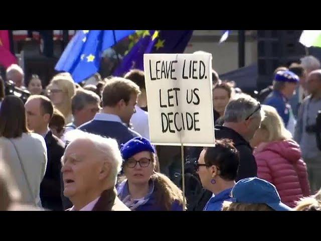 <span class='as_h2'><a href='https://webtv.eklogika.gr/brexit-laothalassa-sto-londino-eikones' target='_blank' title='Brexit: Λαοθάλασσα στο Λονδίνο (εικόνες)'>Brexit: Λαοθάλασσα στο Λονδίνο (εικόνες)</a></span>