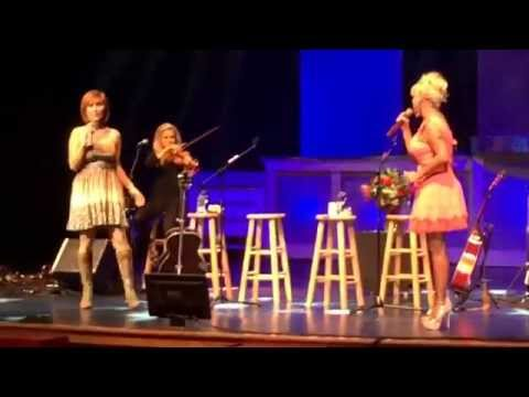 Pam Tillis and Lorrie Morgan in Pigeon Forge, TN