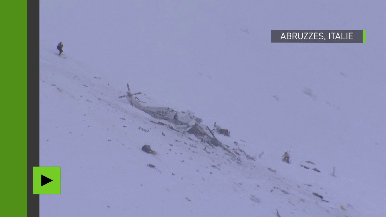 Download Premières images d'Italie, où un hélicoptère s'est écrasé dans les Abruzzes