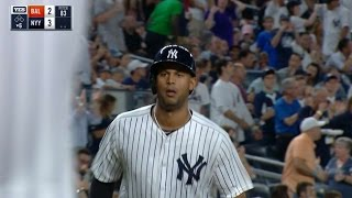 Hicks hammers a homer into Judge's Chambers