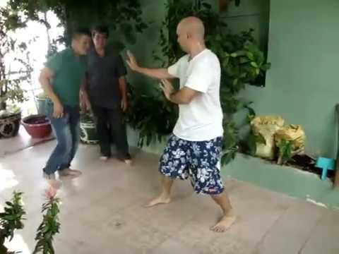 Võ Sư Pierre Francois Flores Giao đấu Với Cao Thủ Pencak Silat Tại Sài Gòn