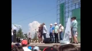 Хороший переводчик на вес золота))) Про мэра Альметьевска