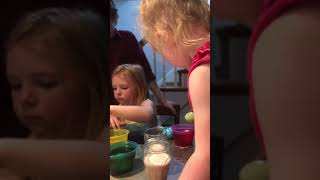Dying eggs at mimi and pop pops april 2019