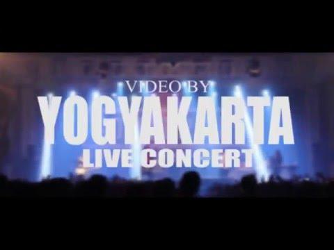Pee Wee Gaskins - Kertas dan Pena (Live at SHOWCASE Yogyakarta19-02-2016)
