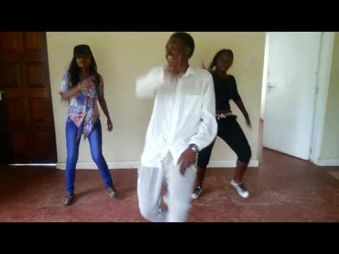 Chris Martin ft Busy Signal- steppin (dance)
