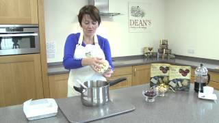How To Make Cranberry, White Chocolate & Shortbread Fudge By Dean's