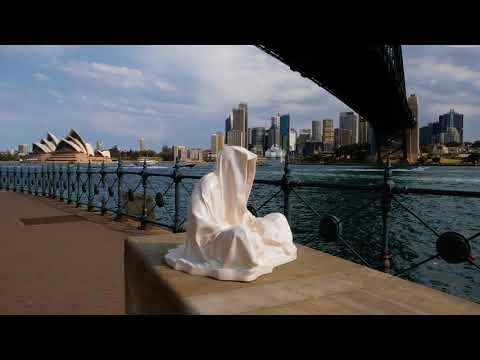 sydney australia artevent artshow sculpture manfred kielnhofer guardians 3472