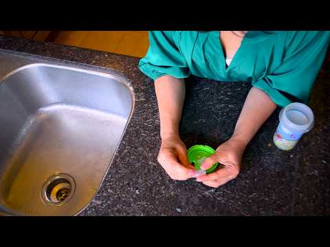 How to clean a Poli sippy cup.