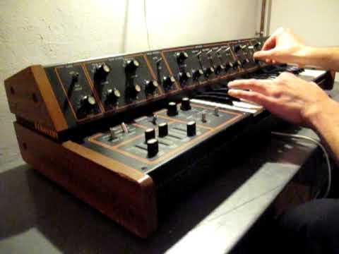 The Maxon MX 2  Mariner Synthesizer