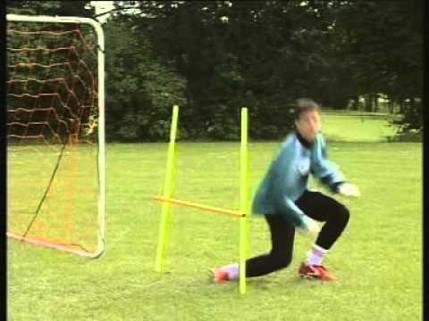 Video Cara Bermain Sepakbola Dengan Baik Dan Benar - Menerima Bola Setengah ...