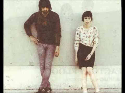 Crystal Castles  Mix - Alice in Wonderland