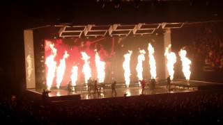 Bruno Mars - Grenade (24K Magic World Tour - MN 8-5-2017)
