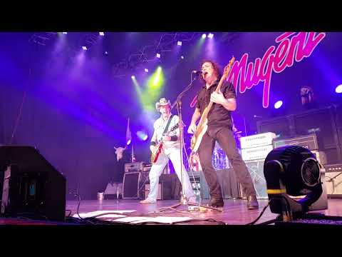 TED NUGENT Motor City Madhouse Arcada Theatre St. Charles/Chicago July 27th 2018  1080p 60 FPS S9+