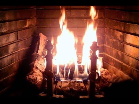 tr s beau feu de chemin e et doux cr pitement des flammes. Black Bedroom Furniture Sets. Home Design Ideas